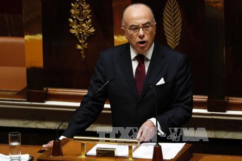 Bernard Cazeneuve gana voto de confianza en la Cámara de Representantes de Francia