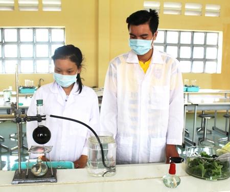 Colegio de An Lac Thon estimula pasión por las ciencias en sus alumnos
