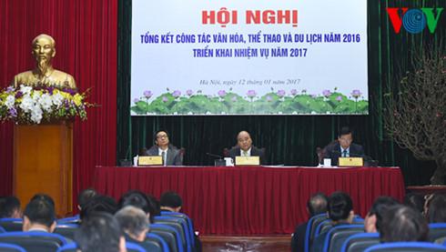 Instan al turismo a ser sector clave de la economía de Vietnam