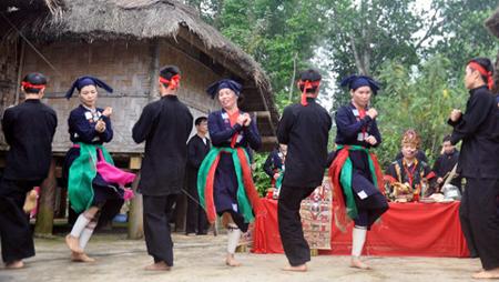 Danzas de minorías étnicas, fuentes de inspiración para coreógrafos vietnamitas