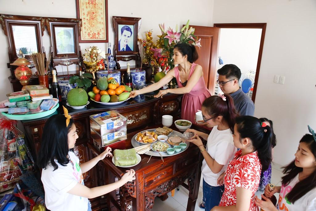 Ultima tarde del viejo año lunar y su significado para la familia vietnamita