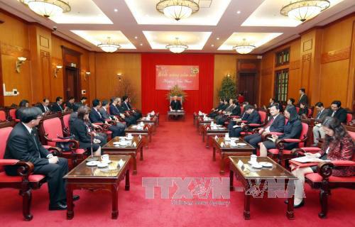 Máximo líder político de Vietnam recibe a representantes diplomáticos de Asean por el Tet 2017