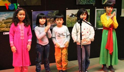 """Club """"Cometa"""", promotor del idioma y cultura vietnamitas en Francia"""