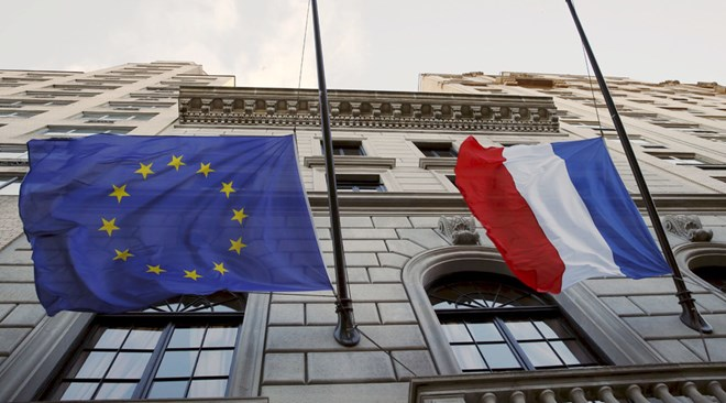 Moody's advierte de mayor posibilidad de salida de Francia de la Unión Europea