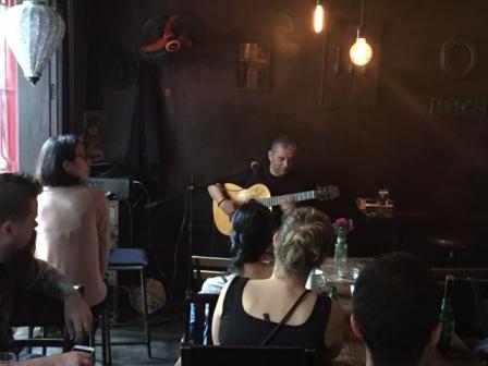 Guitarrista español Jesús Morente presenta su arte en Hanoi