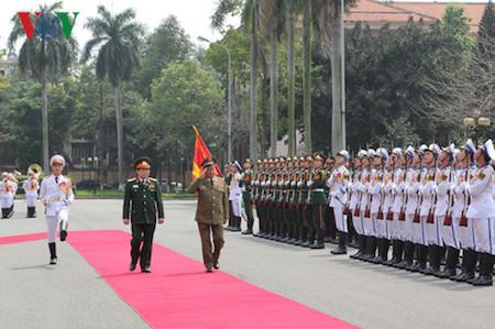 Vietnam y Cuba promueven cooperación militar