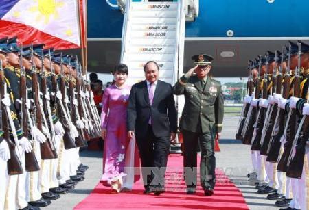 Primer ministro de Vietnam participa en trigésima Cumbre de la Asean