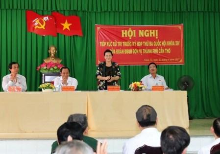 Líderes vietnamitas contactan con electores de diferentes localidades