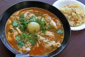 Masakan Mohinga - mihun ikan khas dari Myanmar