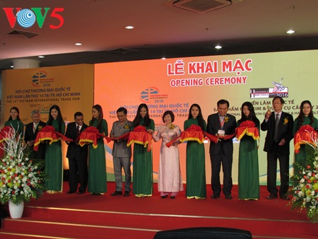 Acara pembukaan Pekan Raya ke-14 Perdagangan Internasional Vietnam di kota Ho Chi Minh tahun 2016