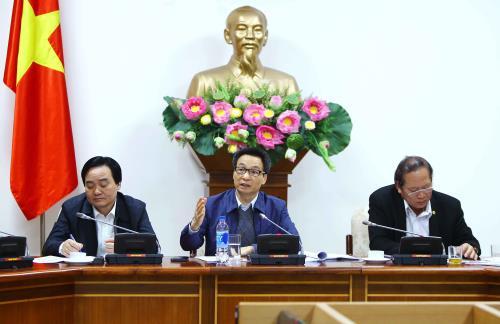 Badan usaha teknologi informasi harus menjadi poros untuk mengembangkan E-Government.