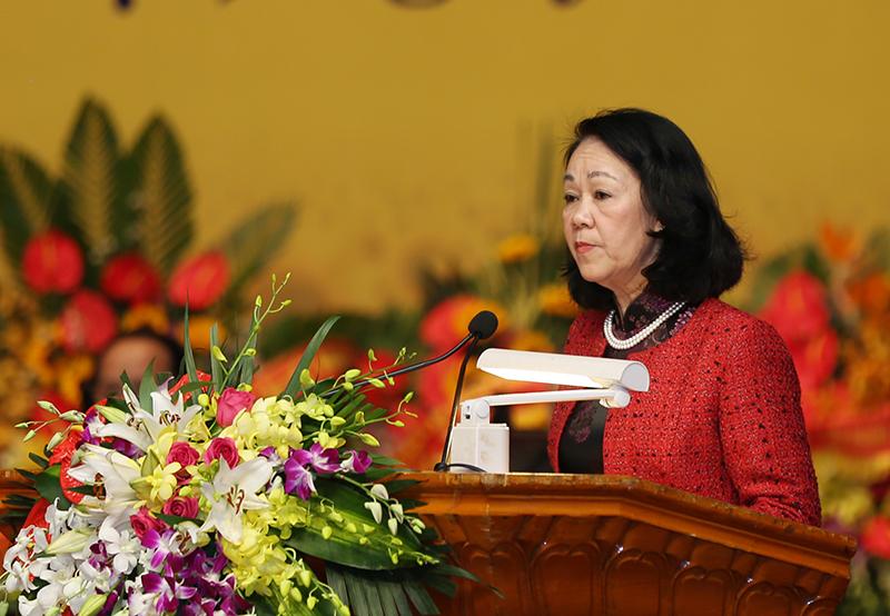 Kepala Departemen Penggerak Massa Rakyat KS PKV mengucapkan selamat Hari Raya Tet kepada Pengurus Besar Asosiasi Kaum Lansia Vietnam