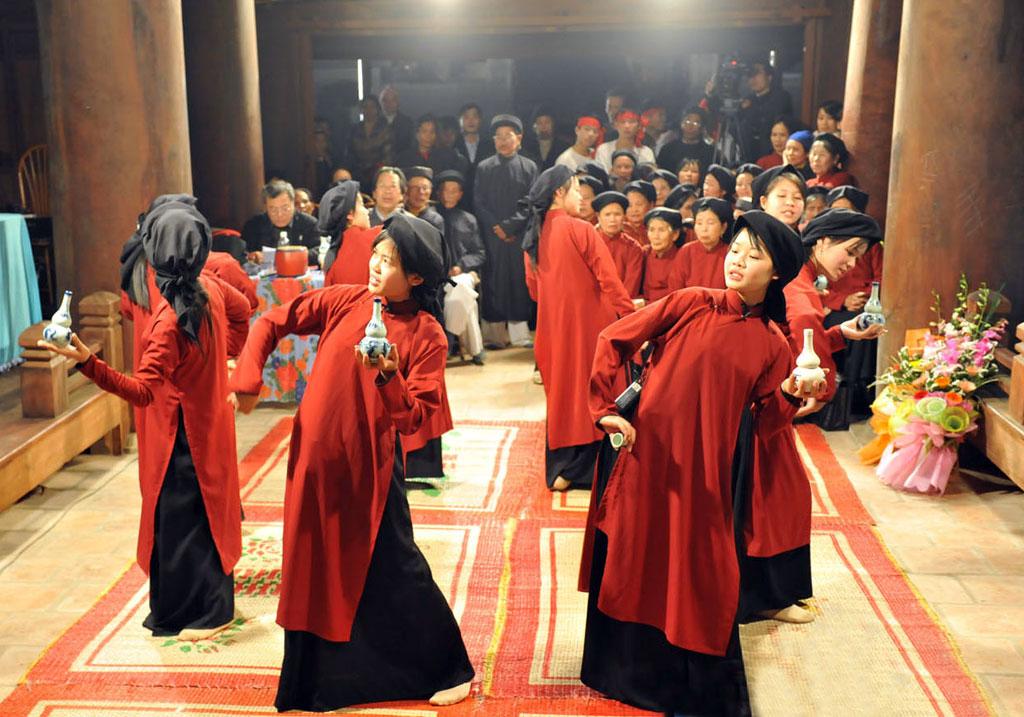 Pesta-pesta pada bulan Satu tahun Imlek di Vietnam Utara