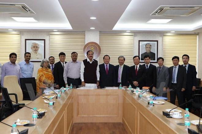 Vietnam dan India memperhebat kerjasama di bidang pers, penerbitan dan keradioan