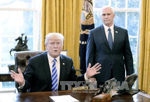 Presiden AS, Donald Trump menandatangani dekrit menghapuskan kebijakan-kebijakan mengenai perubahan iklim pada tahap Pemerintah pimpinan Presiden Barack Obama