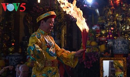 在印度介绍越南三府圣母祭祀信仰
