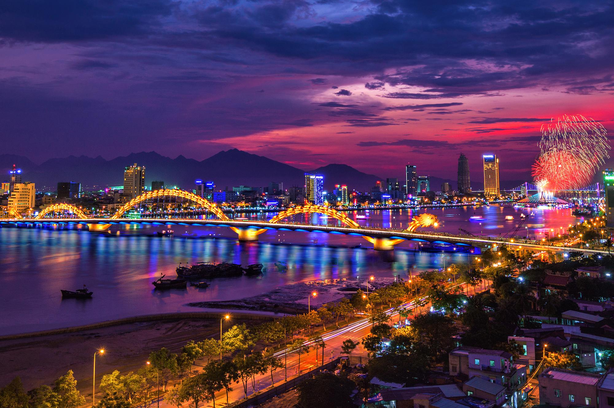 越南外交部副部长阮国勇会见中国驻岘港市总领事郗慧