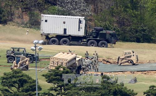 """中国宣布进行新型武器装备作战检验应对美国部署""""萨德"""""""