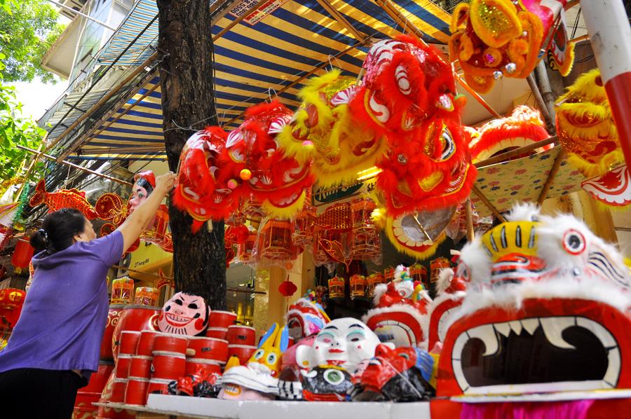 Jubilant atmosphere of mid-autumn festival in Hanoi