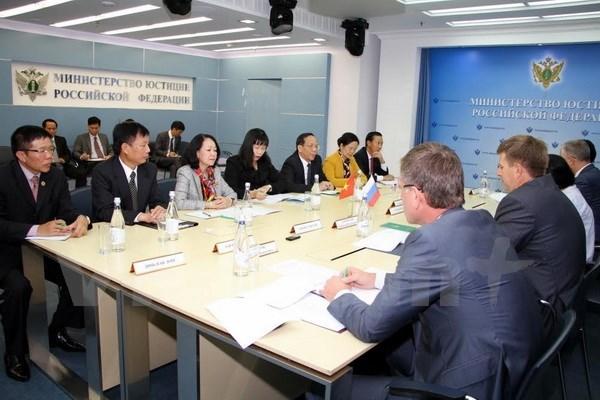 Vietnam seeks ways to tighten relations with Russia