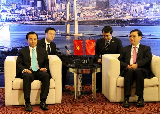 Vietnam and China boost cooperation between localities
