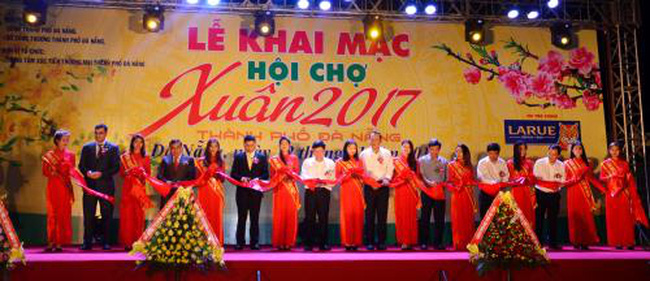 2017 spring fair opens in Da Nang