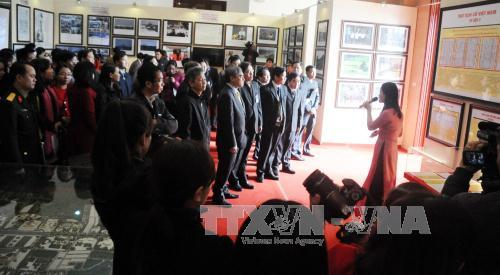Exhibition proves Vietnam's sovereignty over Hoang Sa and Truong Sa