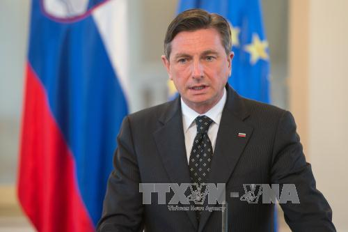 Slovenia urges EU enlargement to Balkans