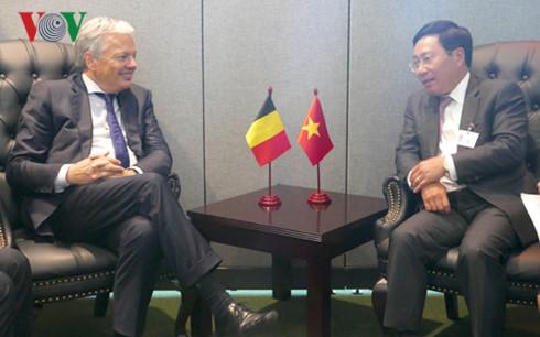 Phó Thủ tướng, Bộ trưởng Ngoại giao Phạm Bình Minh tiếp xúc song phương bên lề Đại hội đồng LHQ