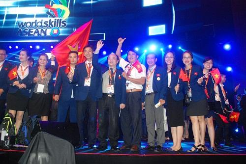 Đoàn Việt Nam tham dự Kỳ thi tay nghề ASEAN lần thứ XI năm 2016 tại Malaysia