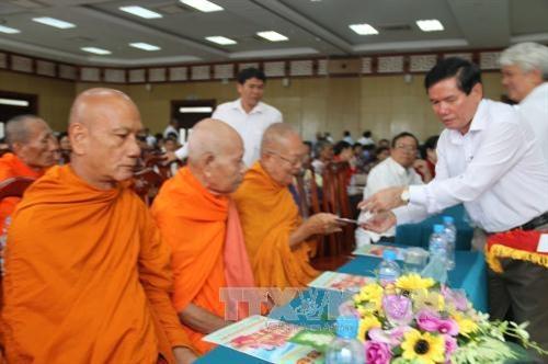 Trà Vinh họp mặt mừng Lễ Sene Đôn ta đồng bào Khmer 2016