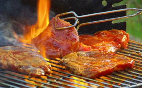 Bò tái kiến đốt - món ăn lạ ở Tam Đảo
