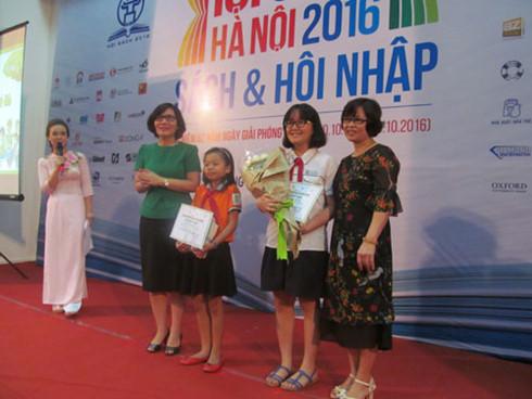 Vinh danh 27 học sinh là Đại sứ Văn hóa đọc thủ đô