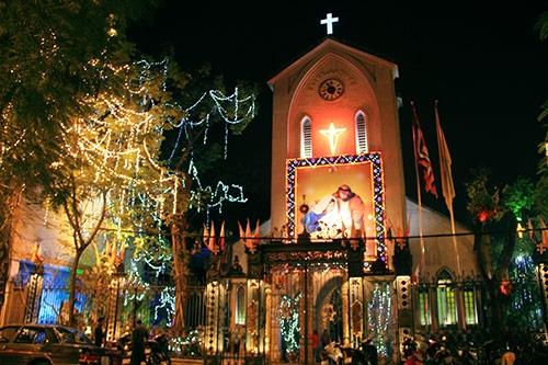 Thông tin về những hoạt động vui chơi giải trí dịp Giáng Sinh; ẩm thực của làng cổ Đường Lâm