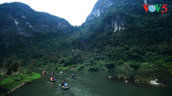 Du lịch Việt Nam bứt phá, trở thành ngành kinh tế mũi nhọn