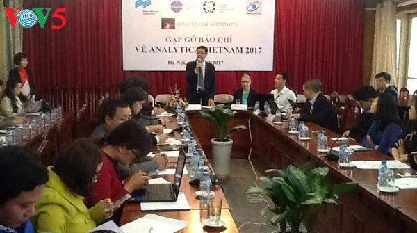 17 quốc gia tham gia Triển lãm Analytica Việt Nam 2017
