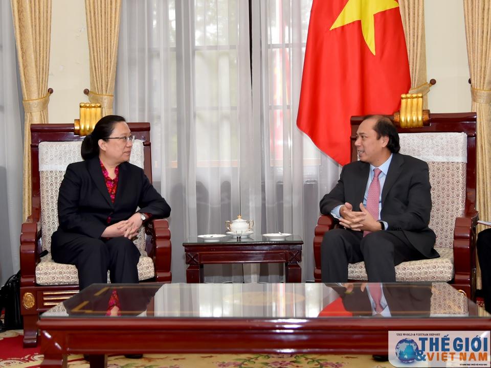 Thứ trưởng Bộ ngọai giao tiếp Tổng Lãnh sự TQ tại Đà Nẵng và Thứ trưởng Ngoại giao Philppines