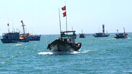 จังหวัดบิ่งถวนสนับสนุนชาวประมงจับปลาในเขตน้ำลึก