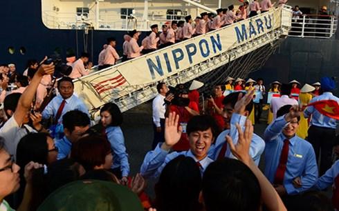 คนเวียดนามให้การต้อนรับเยาวชนเอเชียตะวันออกเฉียงใต้และญี่ปุ่นอย่างอบอุ่น