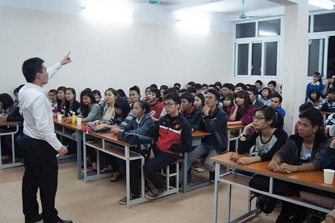เหงียนวันเตียบกับการสอนภาษาอังกฤษฟรีให้แก่นักศึกษา