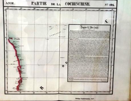 อำเภอเกาะหว่างซา นครดานังรับมอบแผนที่ล้ำค่าเกี่ยวกับหมู่เกาะหว่างซาจากชาวเวียดนามโพ้นทะเล