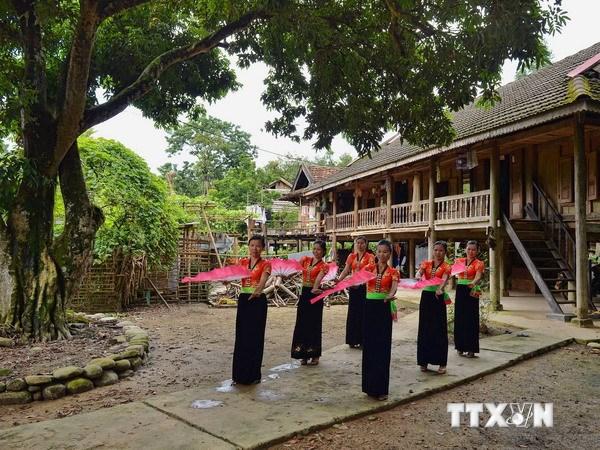 Đồng bào Ca Dong - Quảng Ngãi bảo tồn nhà sàn truyền thống