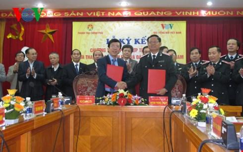 Thanh tra Chính phủ ký kết chương trình phối hợp với Đài Tiếng nói Việt Nam