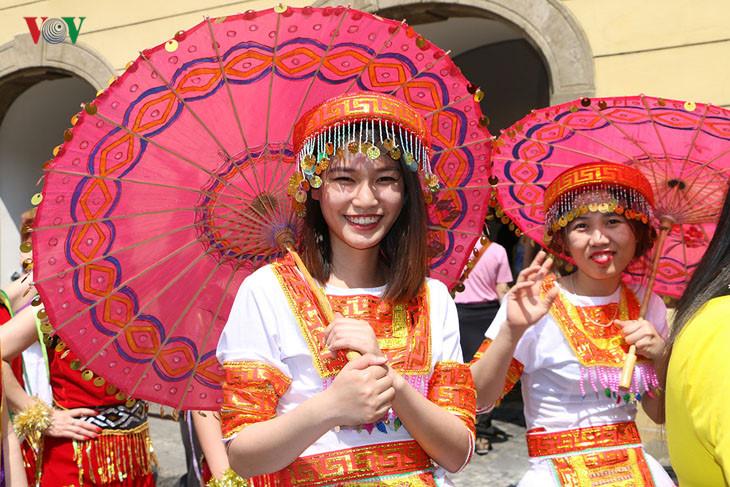 Việt Nam gây ấn tượng tại lễ hội các dân tộc thiểu số ở Cộng hòa Cezch