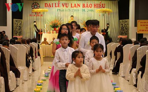 Xúc động Đại lễ Vu Lan báo hiếu của người Việt tại Cộng hòa Séc