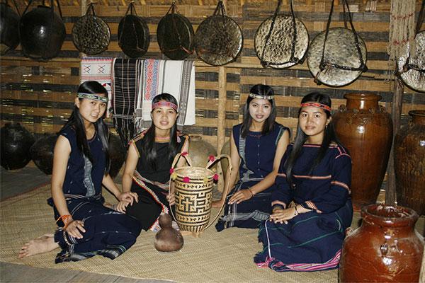 Đặc sắc trang phục dân tộc K'ho