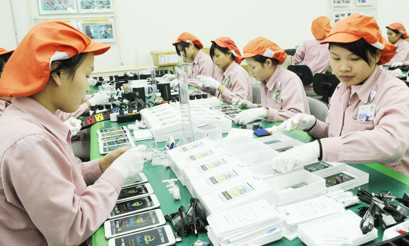 Tăng trưởng kinh tế Việt Nam năm 2017 dự báo 6,4%