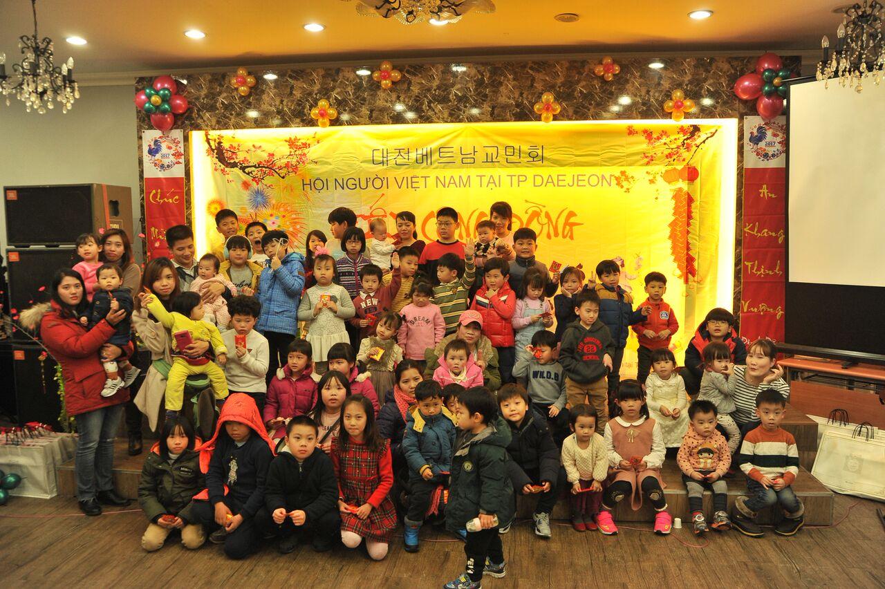 Cộng đồng người Việt tại Daejeon Hàn Quốc tổ chức mừng xuân Đinh Dậu 2017