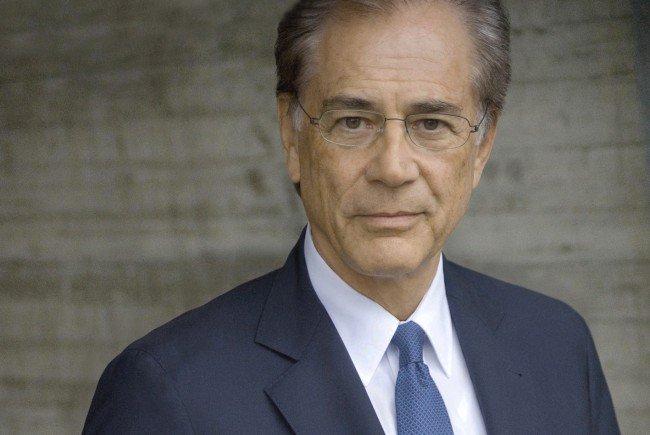 Thủ tướng Nguyễn Xuân Phúc tiếp Chủ tịch Viện nghiên cứu Malik-Thụy Sỹ Fredmund Malik