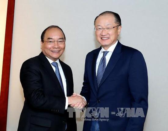 Thủ tướng Nguyễn Xuân Phúc tiếp lãnh đạo các tổ chức tài chính và doanh nghiệp quốc tế
